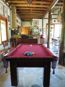 Um dos ambientes da casa principal